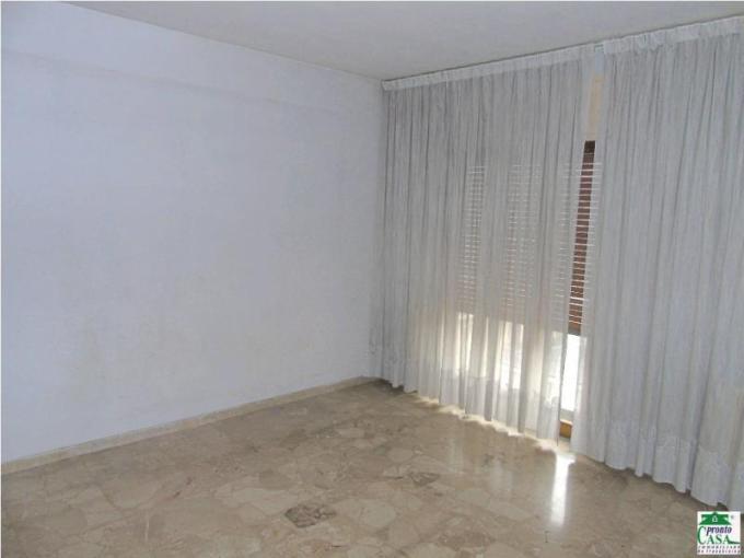 Pronto Casa: Appartamento 6 locali a Modica in Vendita a Modica Foto 1