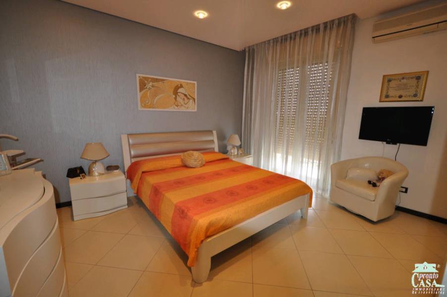 Pronto Casa: Appartamento recentemente ristrutturato in Vendita a Ragusa Foto 7