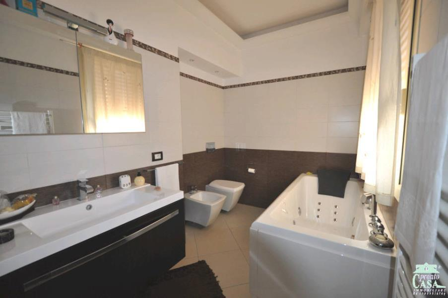 Pronto Casa: Appartamento recentemente ristrutturato in Vendita a Ragusa Foto 10
