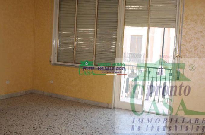 Pronto Casa: Casa singola 10 locali a Comiso in Vendita a Comiso Foto 1
