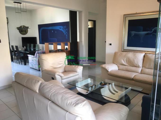 Pronto Casa: Villa Zona Ragioneria in Vendita a Comiso Foto 1
