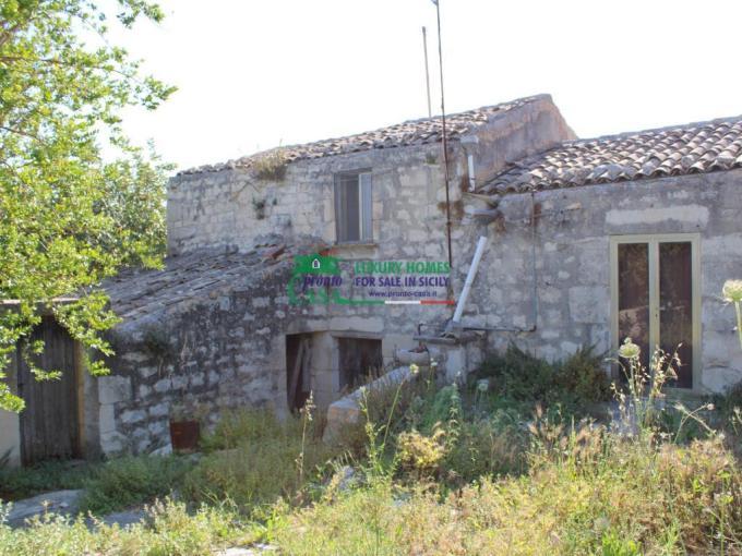 Pronto Casa: Fabbricato rurale con terreno a Frigintini in Vendita a Frigintini Foto 1
