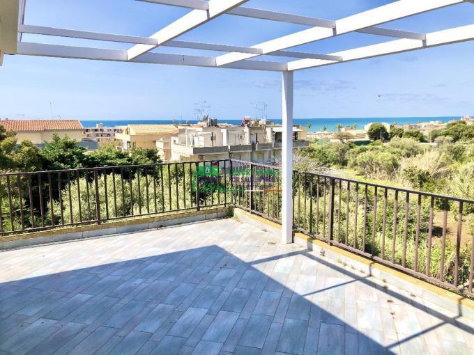 Pronto Casa: Appartamento panoramico a Donnalucata in Affitto a Scicli Foto 1