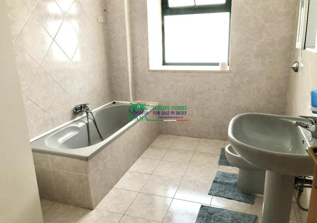 Pronto Casa: 2 Appartamenti in Villa con Piscina in Affitto a Marina di Ragusa Foto 9