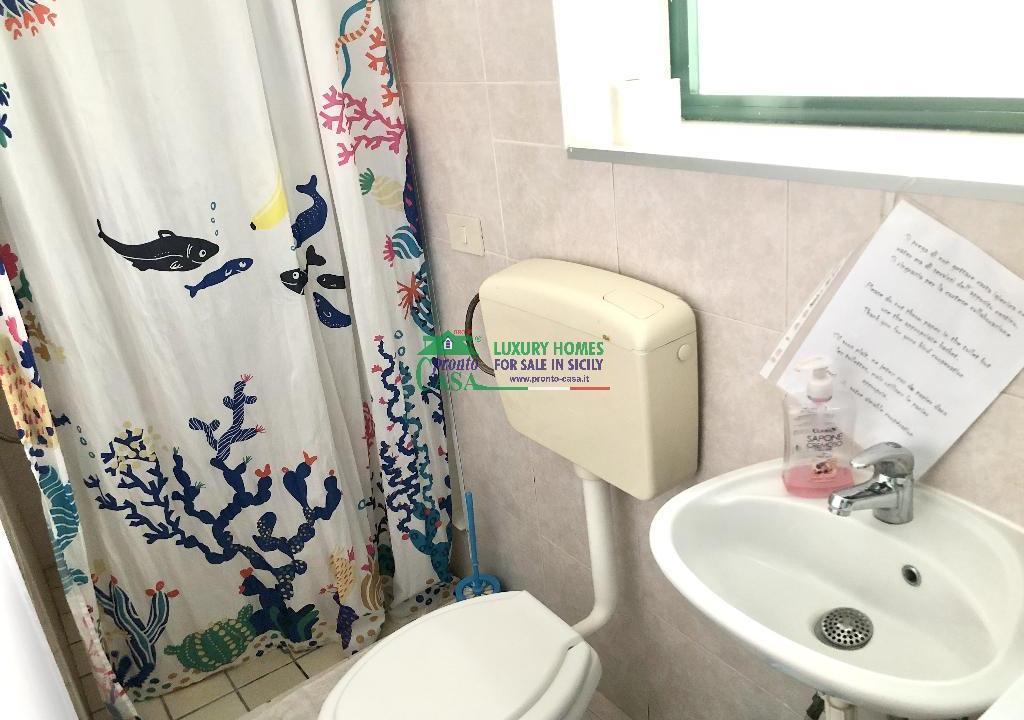 Pronto Casa: 2 Appartamenti in Villa con Piscina in Affitto a Marina di Ragusa Foto 10