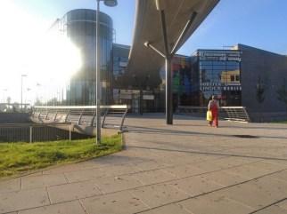 SO 207 - Lávka pro pěší přes obtok Mlýnského potoka. Lávka slouží pouze pro vstup do OC Šantovka. S tramvajovou tratí nesouvisí. Financoval soukromý investor.