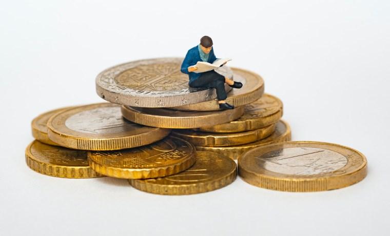 """Τόσκας: Οι ανισότητες """"φρενάρουν"""" την ανάπτυξη"""