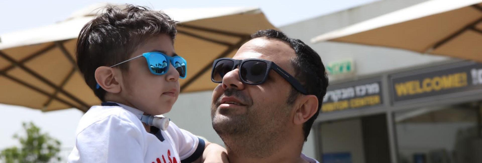 Ισραήλ: Ο 11χρονος ασθενής Λάμπρος ξεγελά τον θάνατο και τον τρόμο των πυραυλικών επιθέσεων