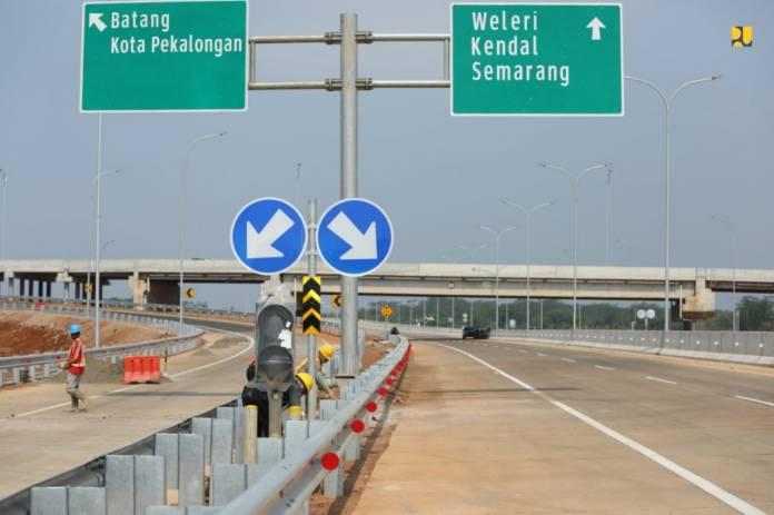 Pengerjaan Jalan Tol Trans Jawa