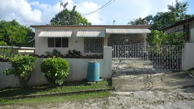 House For Sale in Charlemont Housing Scheme, St. Catherine ...