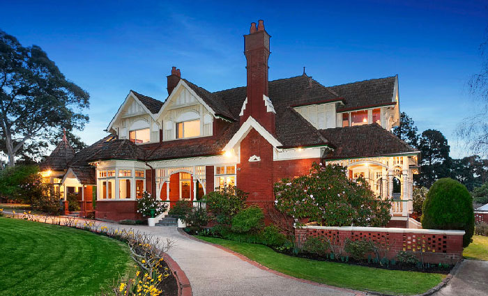 Early 1900s Harelands, Kew for spring sale
