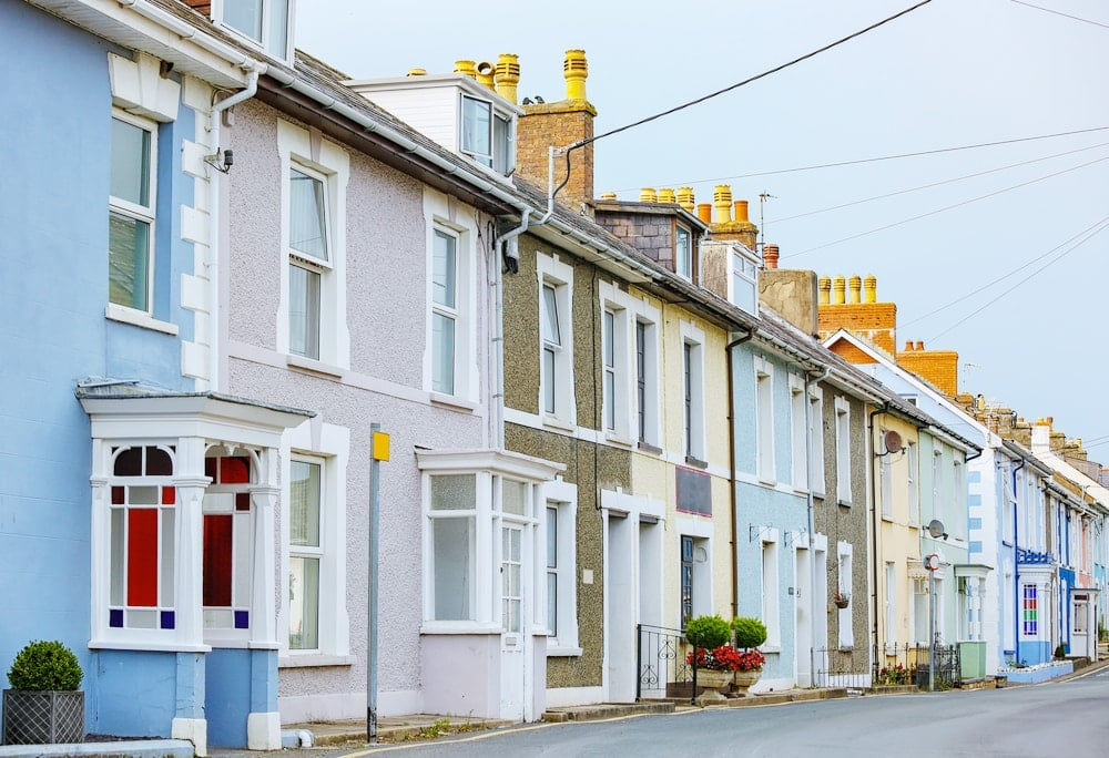 House Prices In England And Wales Fell For The Third Month In A Row In  April And The Annual Rate Of Growth Is Just 1% Above A Year Ago, Having  Fallen For ...