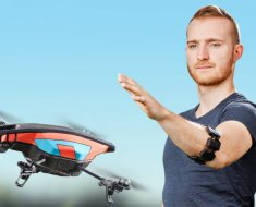 This device Gives You Superpowers, Control Drones And Computers With Bare Hands