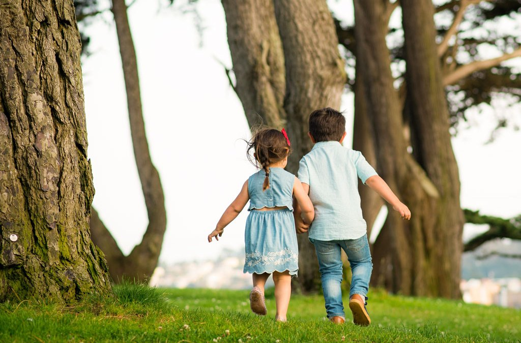 4 Essential Tips for Photographing Children (at Play)