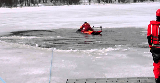 Mayday Hansa Board Ice Rescue