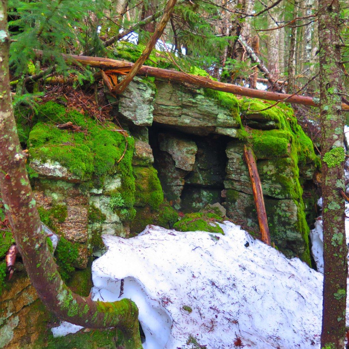 Whiteface-Passaconaway-Cleaved-Stones-20190424