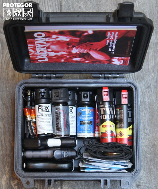 Malette Lacrymo de l'auteur, avec bombes d'entraînement, bombes de différents modèles, produits décontaminants, étuis divers