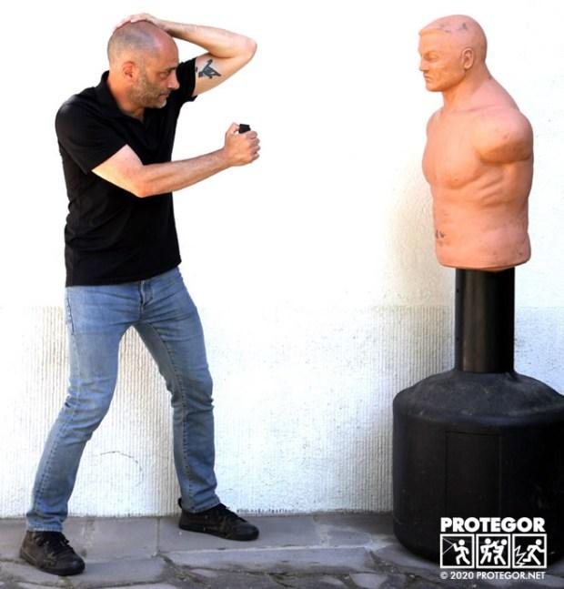 Une technique pour se protéger tout en gazant avec son spray de défense