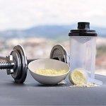 nu3 – Whey Protéines Performance   1kg   Poudre Vanille   Protéines destinées à la prise de masse musculaire   Excellente solubilité et délicieuse saveur vanille   Haute teneur en protéines