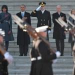 Al contrario de lo que se pudiera pensar -y casi en contra de la lógica protocolaria- el desfile militar no es presidido por el Presidente Obama sino por el General Michel Linnington Comandante General de Washington.