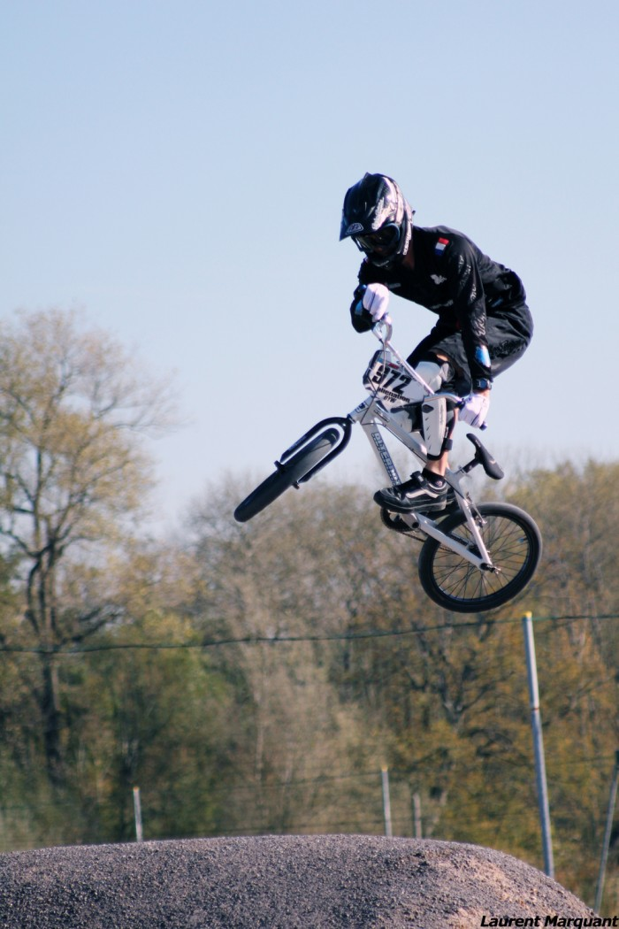 Thomas raccroche son BMX en 2012 et lance sa structure de construction de pistes : ProTracks !