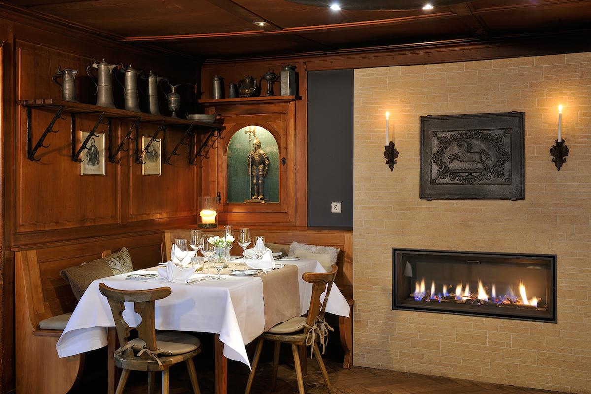 schlosshotel luxushotel deutschland schwarzwald wein gourmet-restaurant weinbau wellness sport guide michelin suiten
