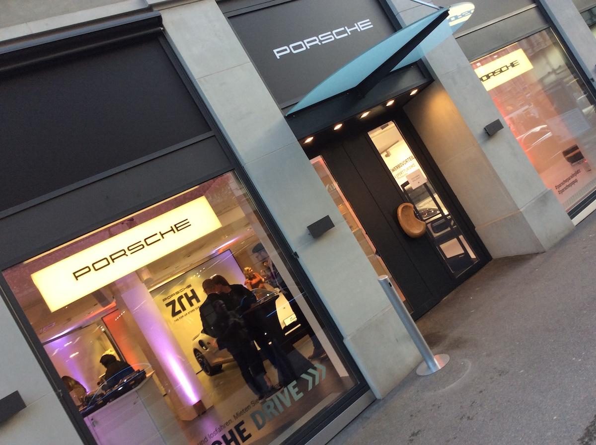 porsche exclusive manufaktur sportwagen limitiert veredelt modelle sportlimousinen individualisiert store luxus luxusmarke zürich paradeplatz pop-up-store