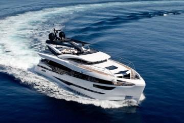 luxury yachts mega-yachts new motor-yachts dominator