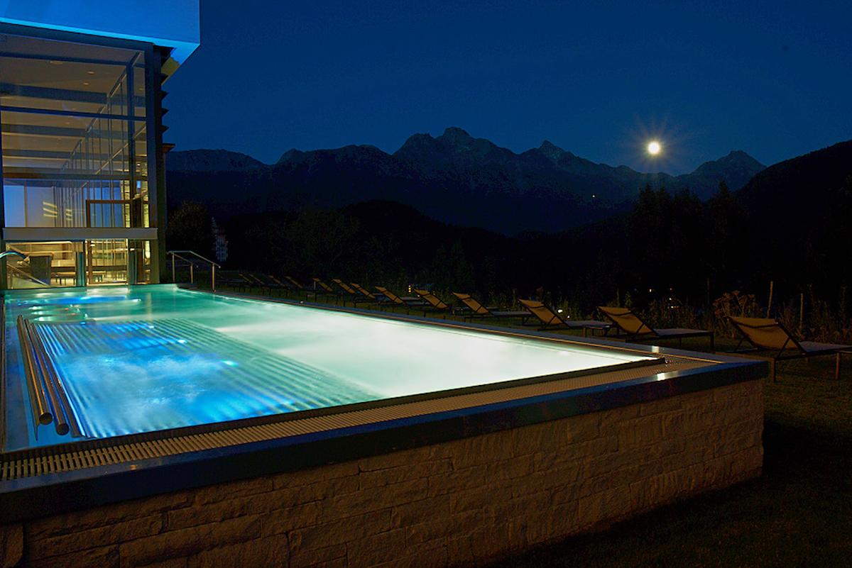 hotel kulm st.moritz oberengadin schweiz luxus-hotels reiseportal preise vergleich gourmet restaurants winterferien winterurlaub spa wellness