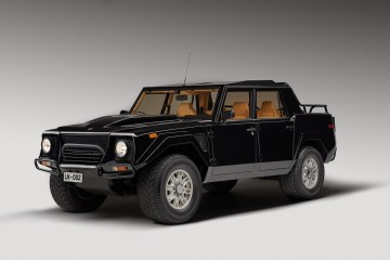 lamborghini lm002 suv offroad offroader luxury four-wheel-drive museum classic oldtimer classic-cars