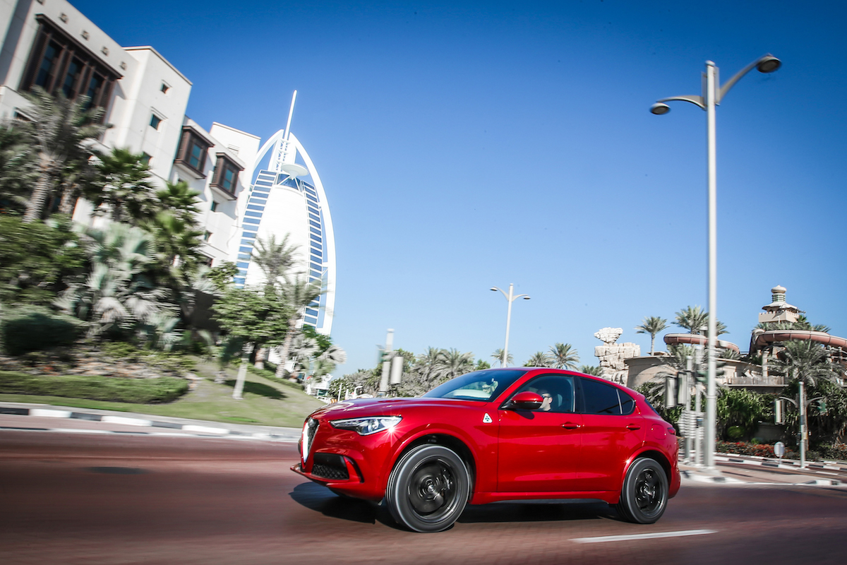alfa romeo stelvio quadrifoglio suv sport utility vehicle geländewagen allradantrieb modelle neuheiten neu premium luxus bilder