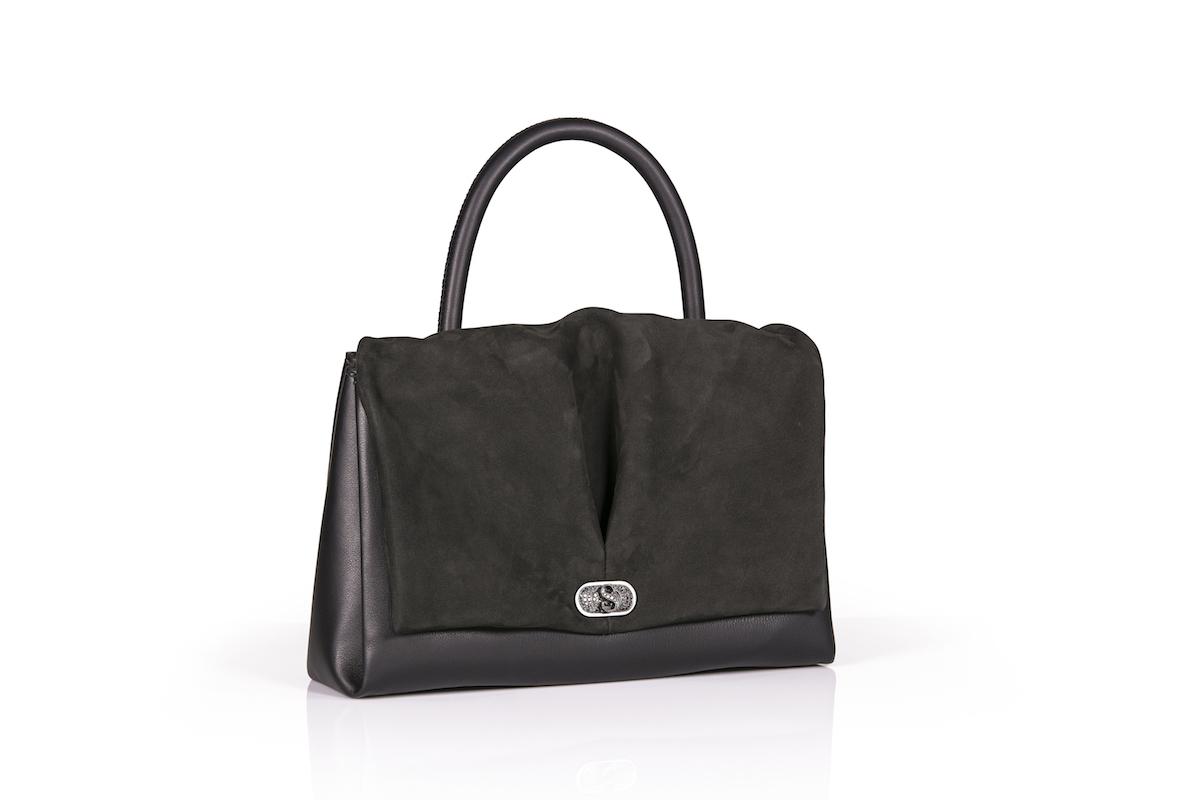lederhandtaschen ledertaschen taschen handtaschen kollektion modelle limitiert limitierte handarbeit accessoires luxuriöse leder de sede mode modetrends luxushandtaschen