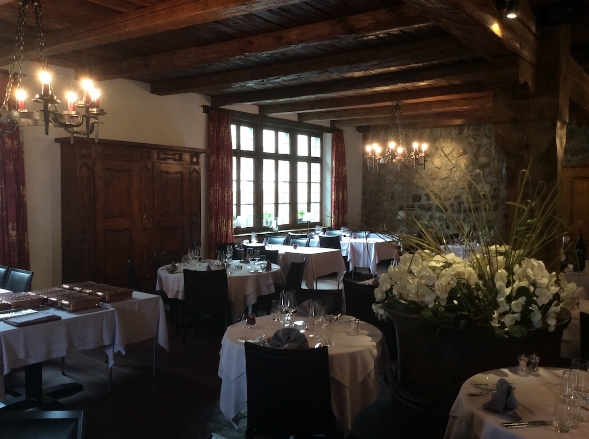 schloss brandis maienfeld graubünden schweiz schlösser burgen gourmet restaurants kulinarik weine gerichte küche geschichte weingut