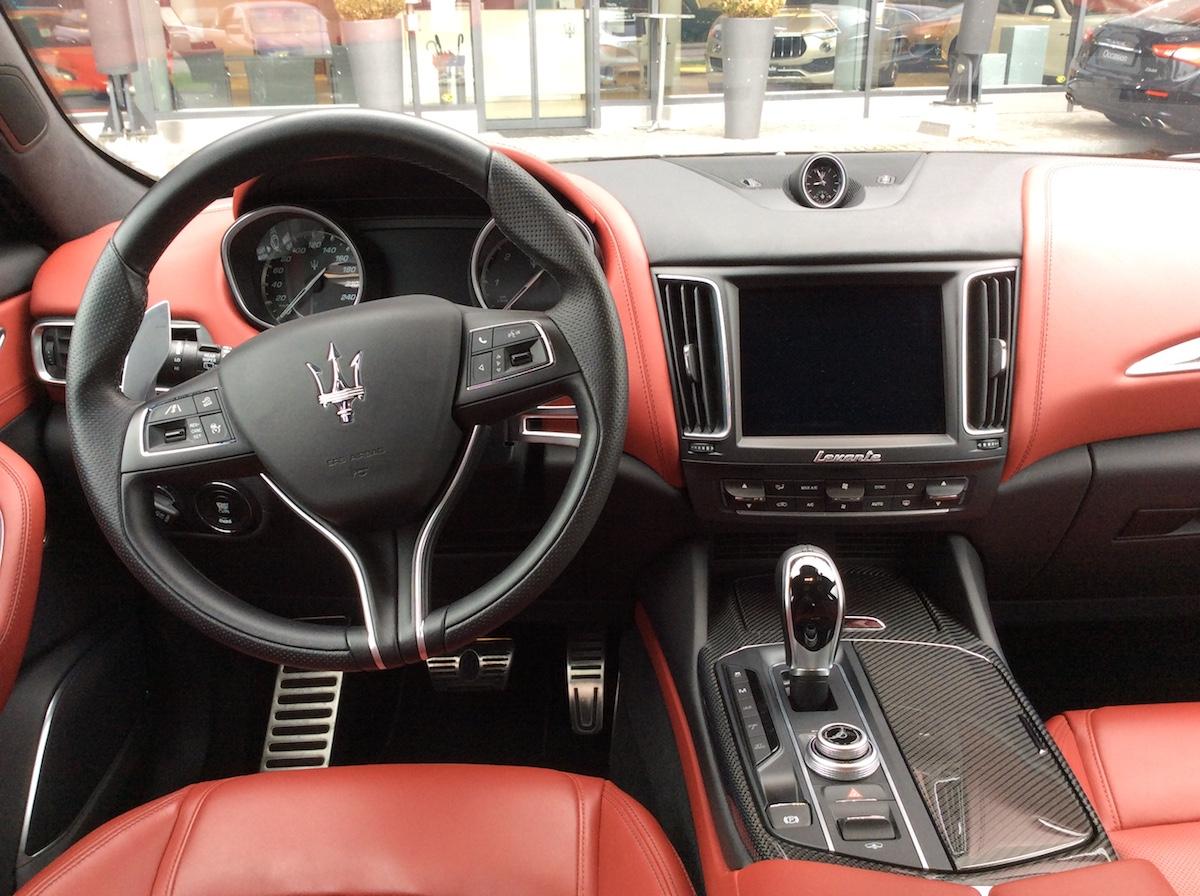 maserati levante levante-s diesel suv sport utility vehicle geländewagen luxus sportwagen modelle schweiz cockpit