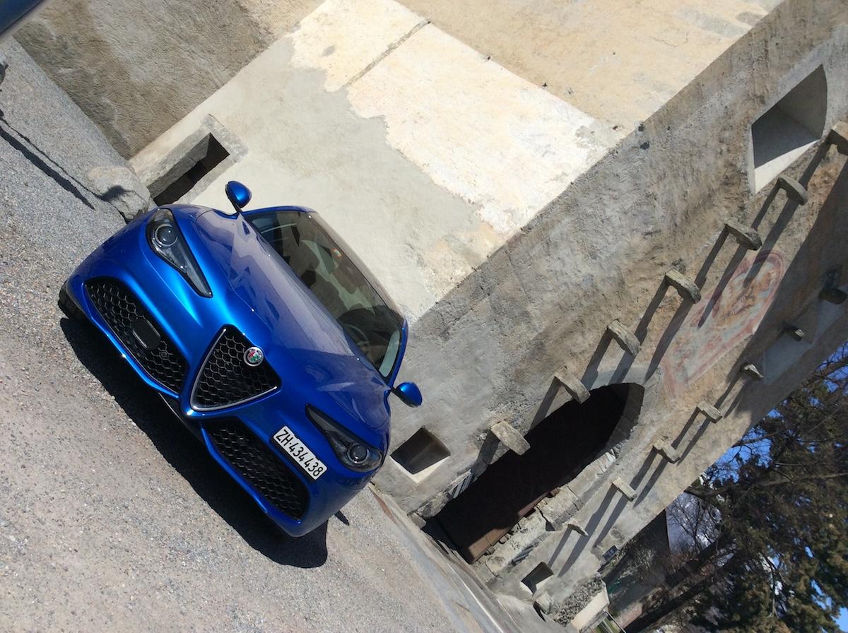 alfa romeo giulia veloce limousine sportlimousine schweiz modelle modellvarianten ausstattung interieur innenraum preis preise
