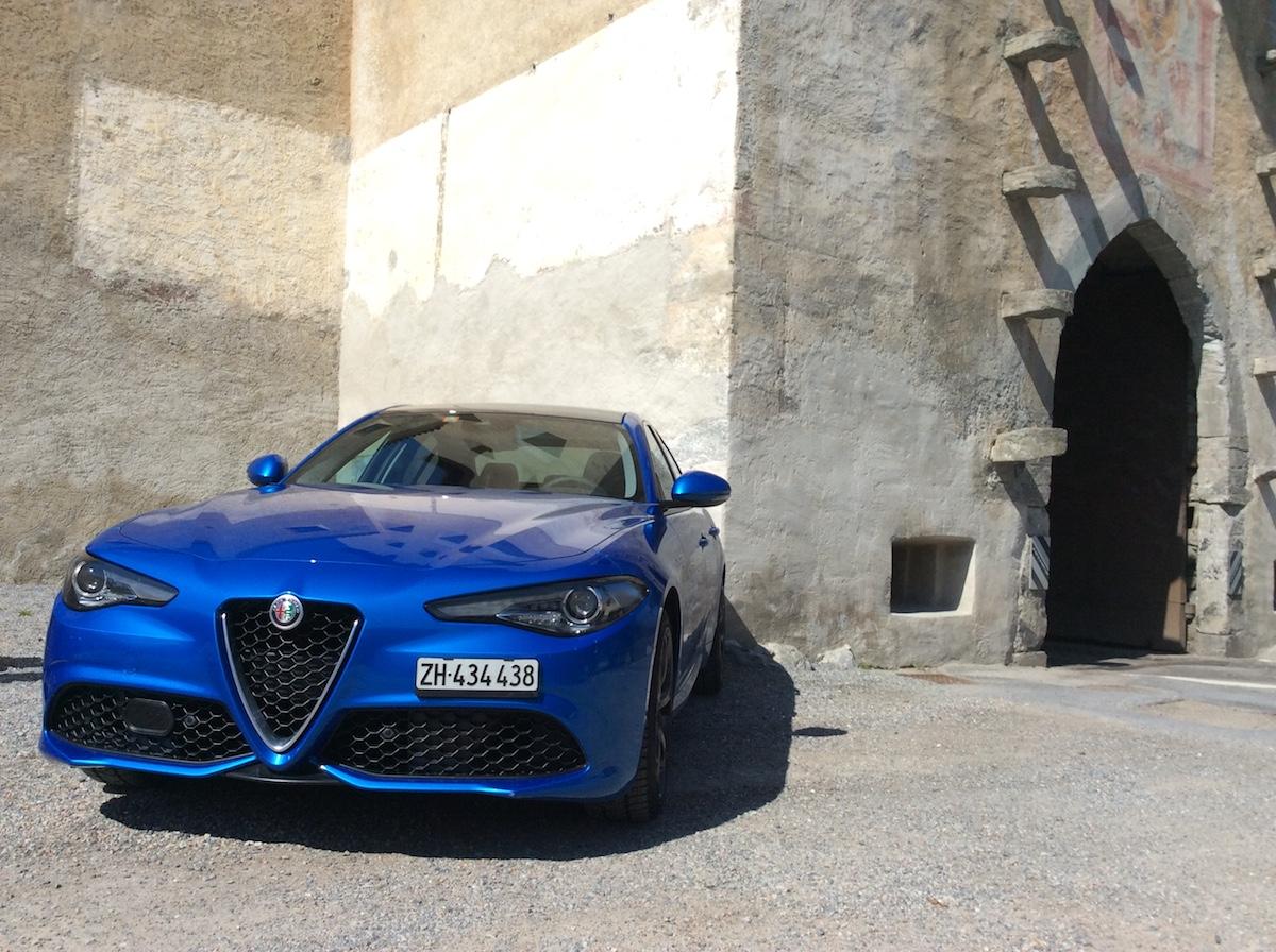 alfa romeo giulia veloce limousine sportlimousine schweiz modelle modellvarianten ausstattung interieur innenraum preis preise bilder