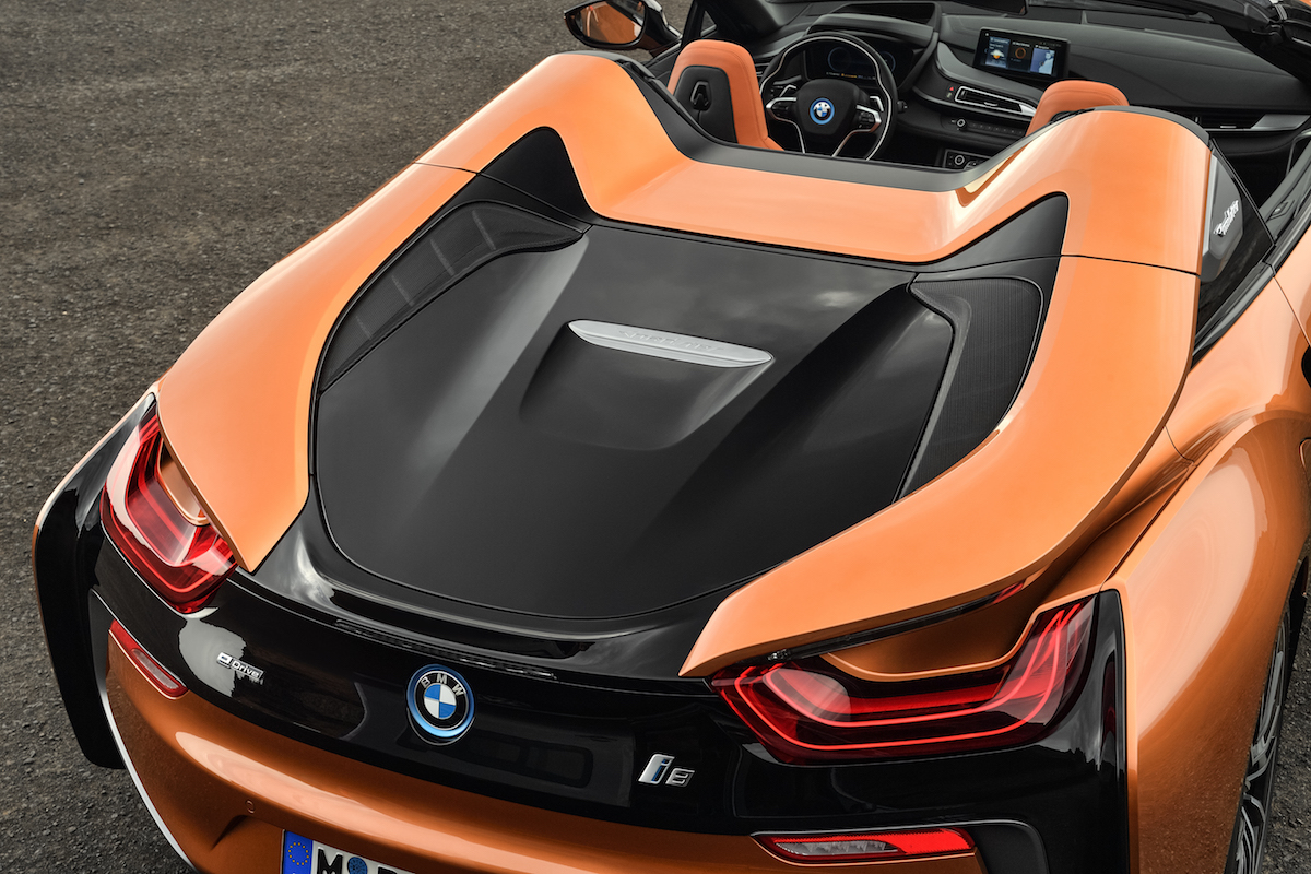 bmw i8 roadster coupe plug-in hybrid electric sports car models car-brands germany german electric-motor