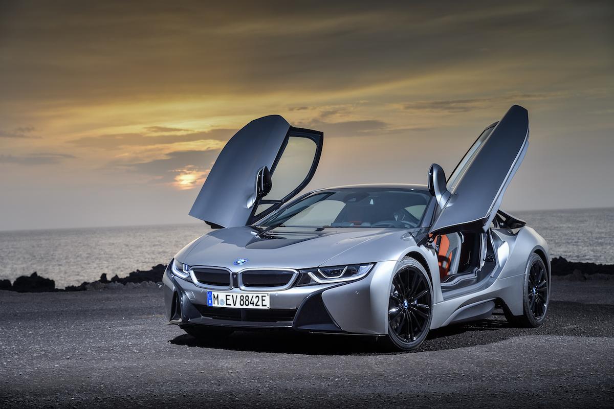 bmw i8 roadster coupe plug-in hybrid electric sports car models car-brands germany german