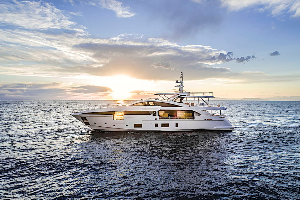 Co-own this sleek Azimut Grande 35 with SeaNet.