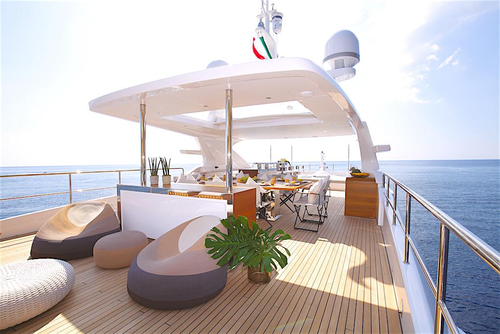 Enjoy a Benetti yacht!