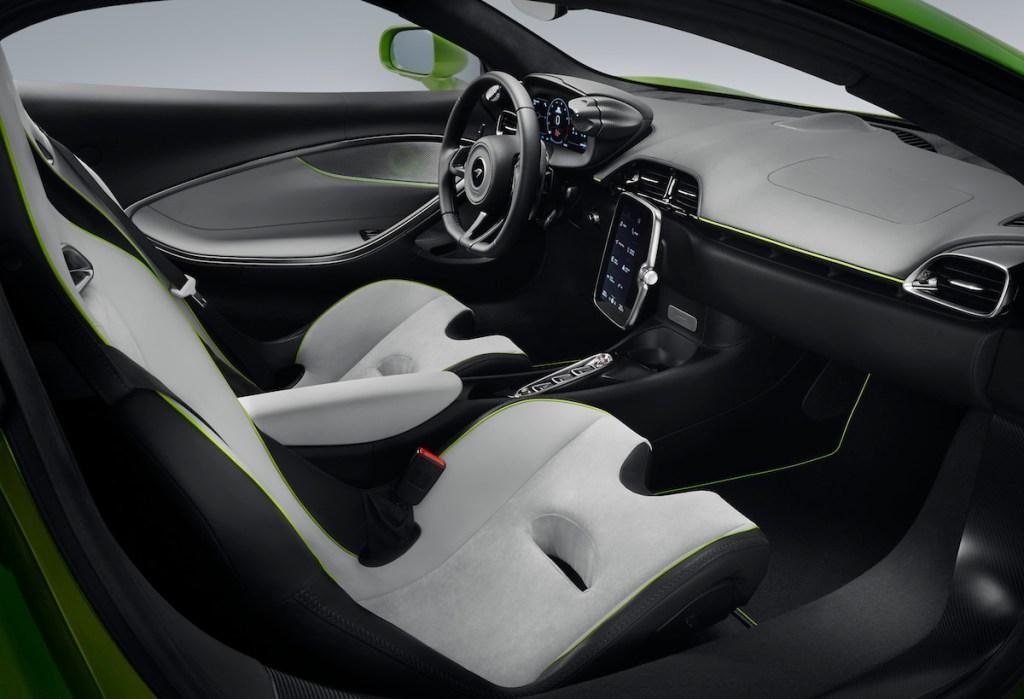 mclaren artura schweiz deutschland v6 hybrid elektro cockpit