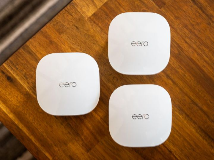 Best deal ever? Get the Eero 3-piece mesh router plus an Echo Show 5 for $200