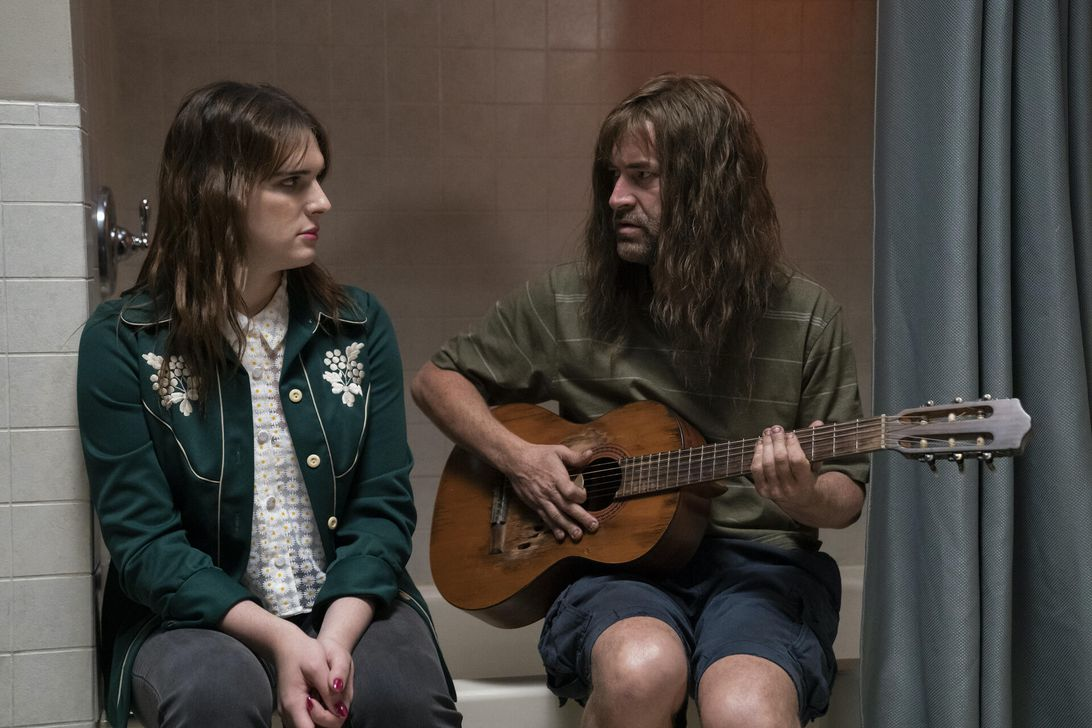 Scene from HBO's room 104 with Mark Duplass