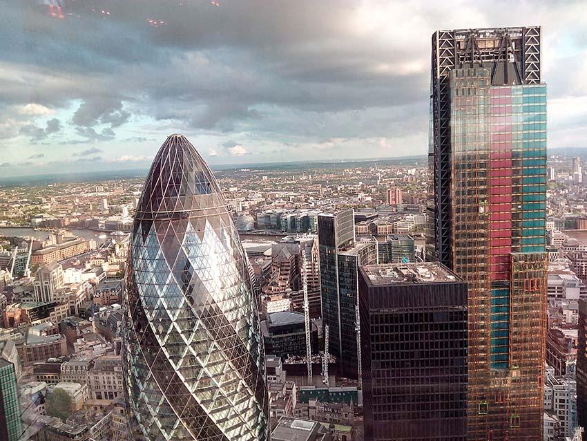 edificios con las mejores vistas de Londres-gherkin desde la torre heron