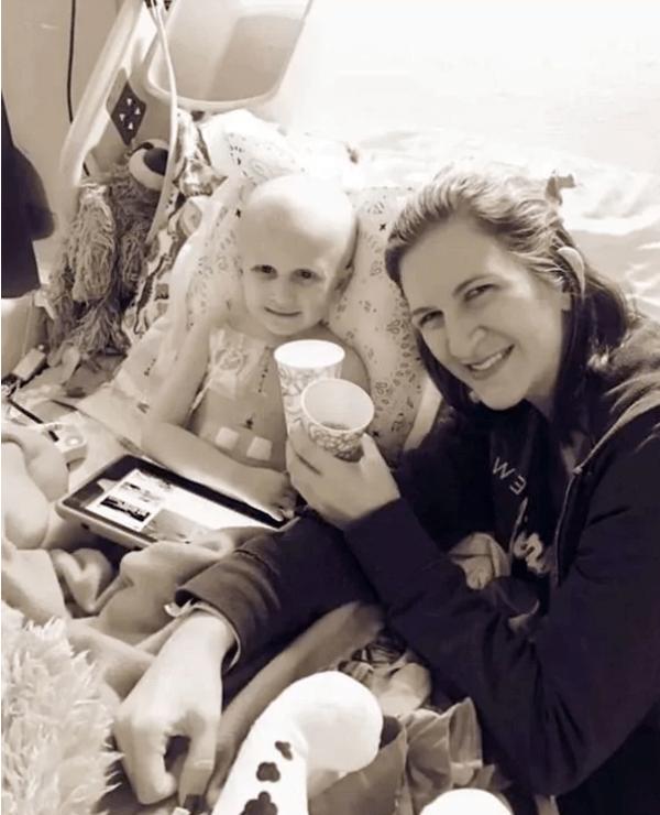 La última plática de una madre con su hijo enfermo de cáncer