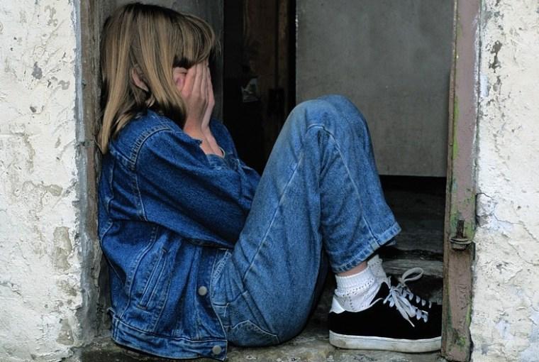 infancia difícil podría llevar al suicidio
