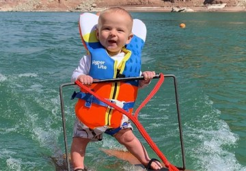 bebe-esqui-acuatico