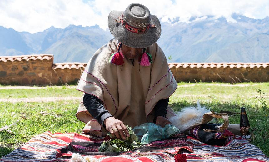 Que son los apus en la cosmovision quechua que representan