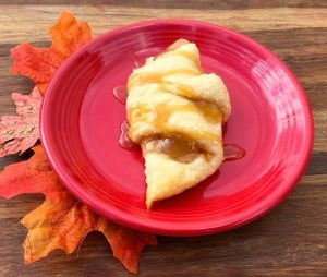 caramel-apple-crescent-rolls