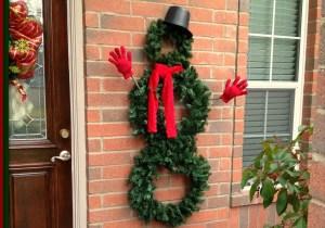outdoor-snowman-wreath